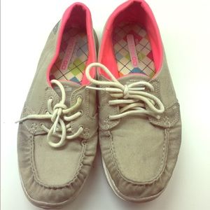 Skechers on the go comfiest sneakers size 8